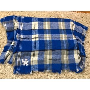 Kentucky blanket scarf